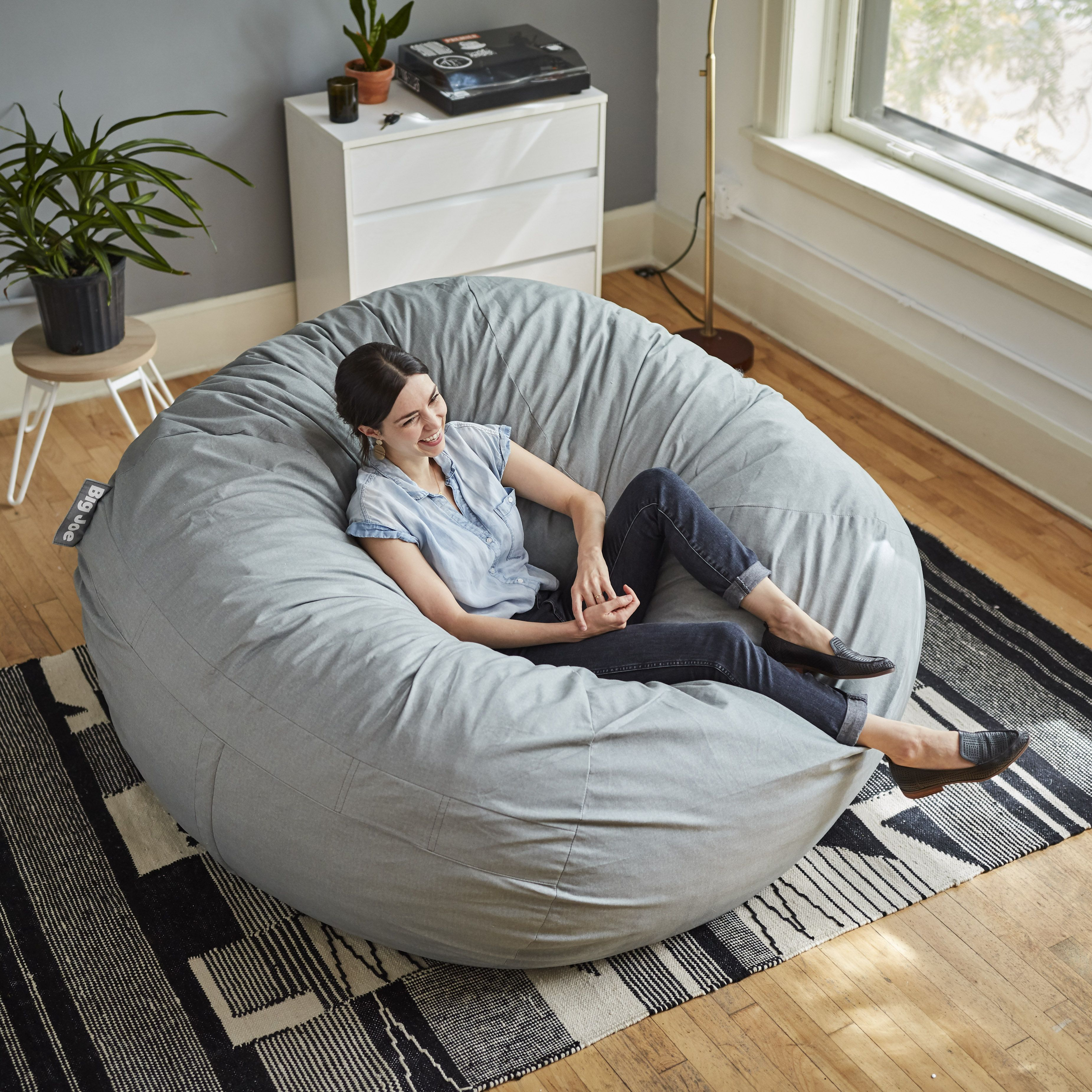 Pin By Nev On Idees Gia To Spiti In 2020 Bean Bag Chair Chill Room Big Bean Bag Chairs