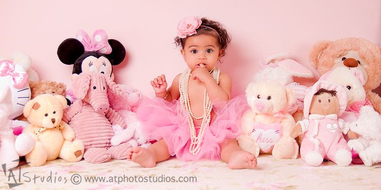 6-month-baby-girl-photoshoot-in-her-nursery-3