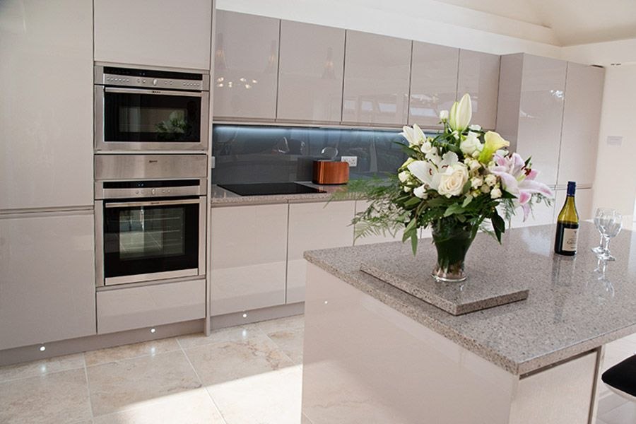 Handleless Cashmere Gloss Kitchen Google Search Some