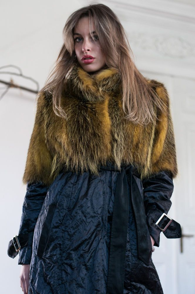 WATER REPELLENT / FOX FUR COAT CAPPOTTO IMPERMEABILE / PELLICCIA VOLPE FOURRURE #Borello #Parka