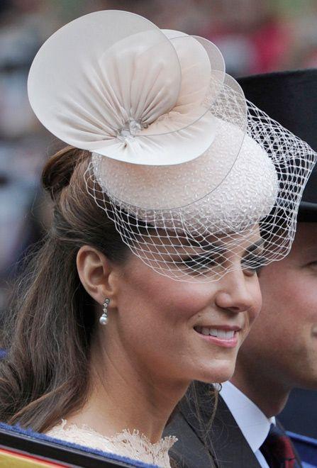 4cd04ada3df3c Realeza a la cabeza Duquesa De Cambridge