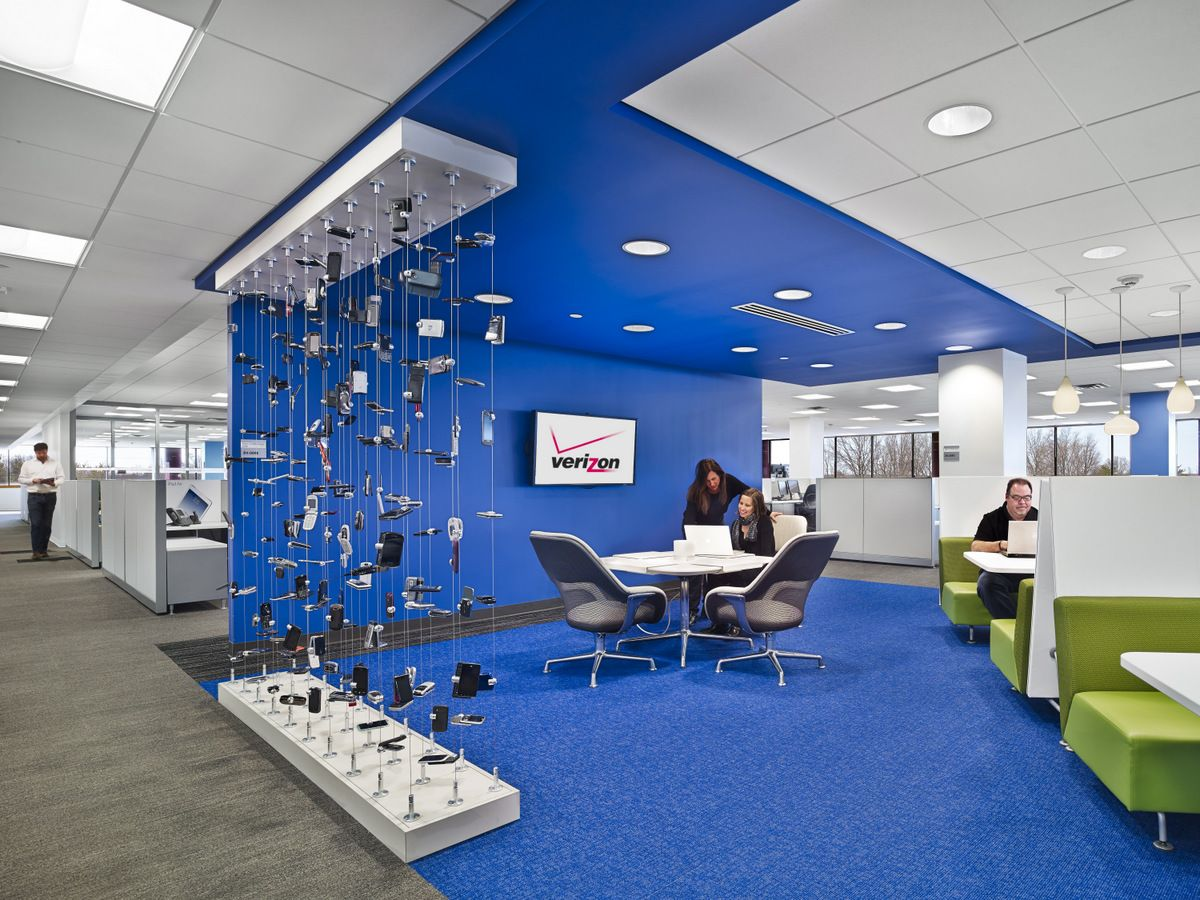Verizon S New Jersey Offices Office Snapshots Office Interior Design Fun Office Design Office Space Design