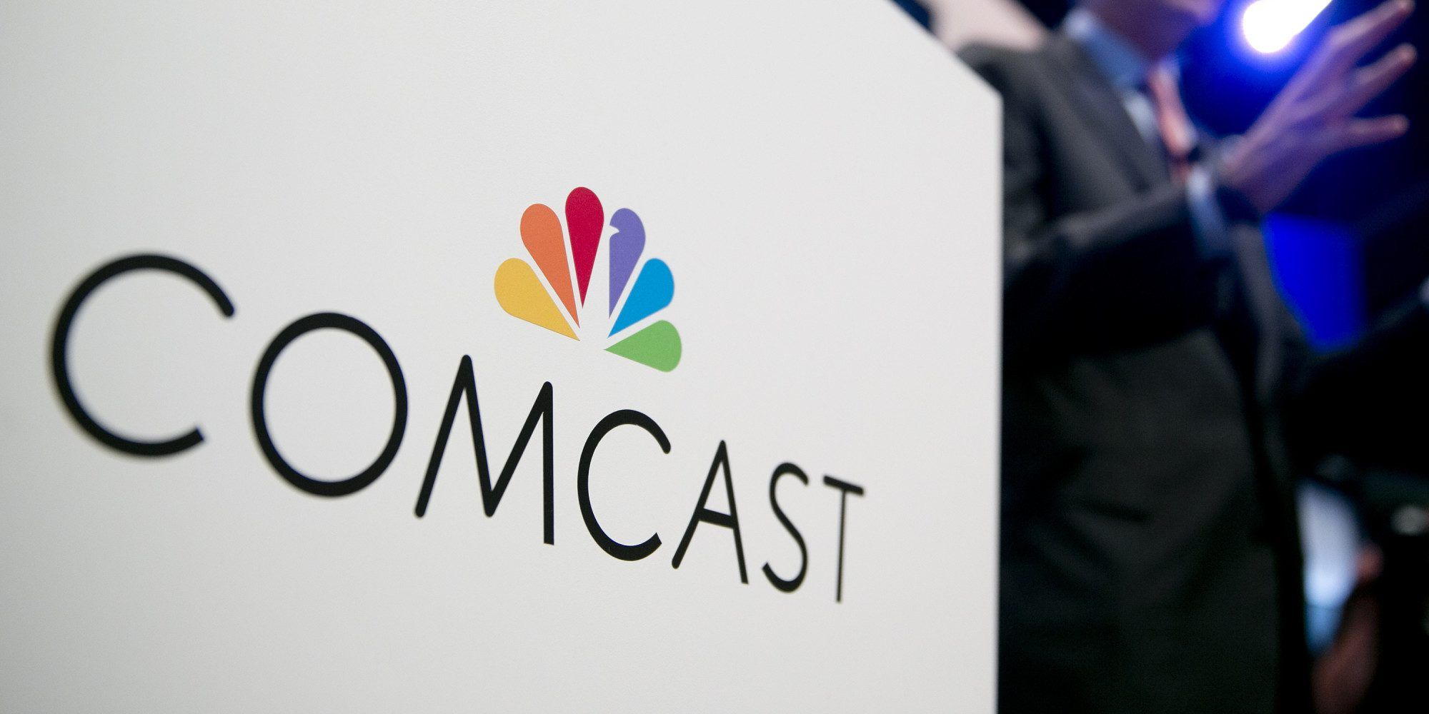 Comcast entering wireless market w/ unlimited data, talk