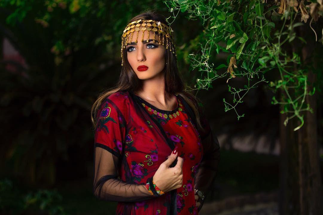 كنت احلم بي معك وانت تحكي واسمعك تصويري مصورين بورتريت The Famous Portraits Ig Respect Rsa Portraits Portrait Loveroyal3 Style Fashion Ancient
