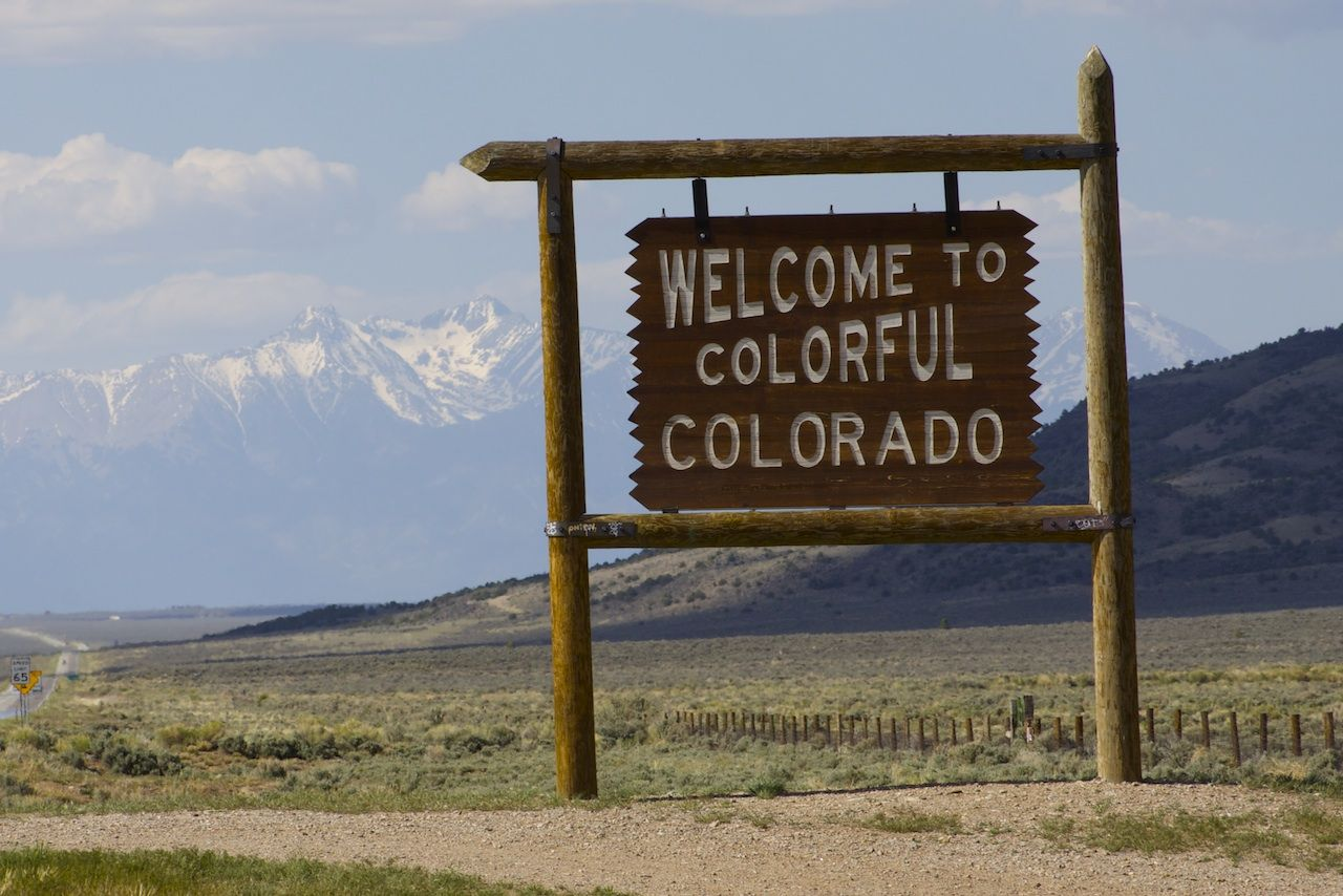 Colorado state line on colo 159 in the san luis valley