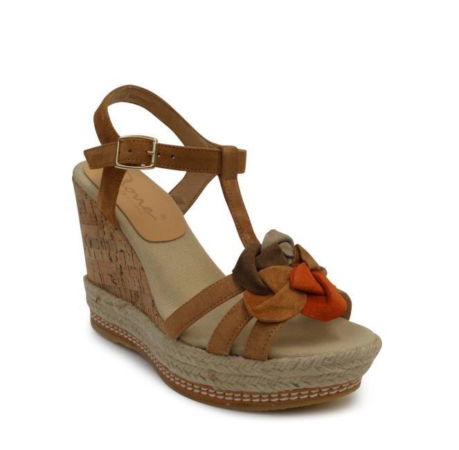 Femenina y Fresca #alpargata  Modelo: 662205  Material: Velour  Color: Marrón