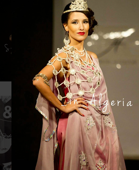 tenue chaoui , haute couture algérienne Robe Flottante, Tenue Chaoui, Tenue  Traditionnelle Algérienne,
