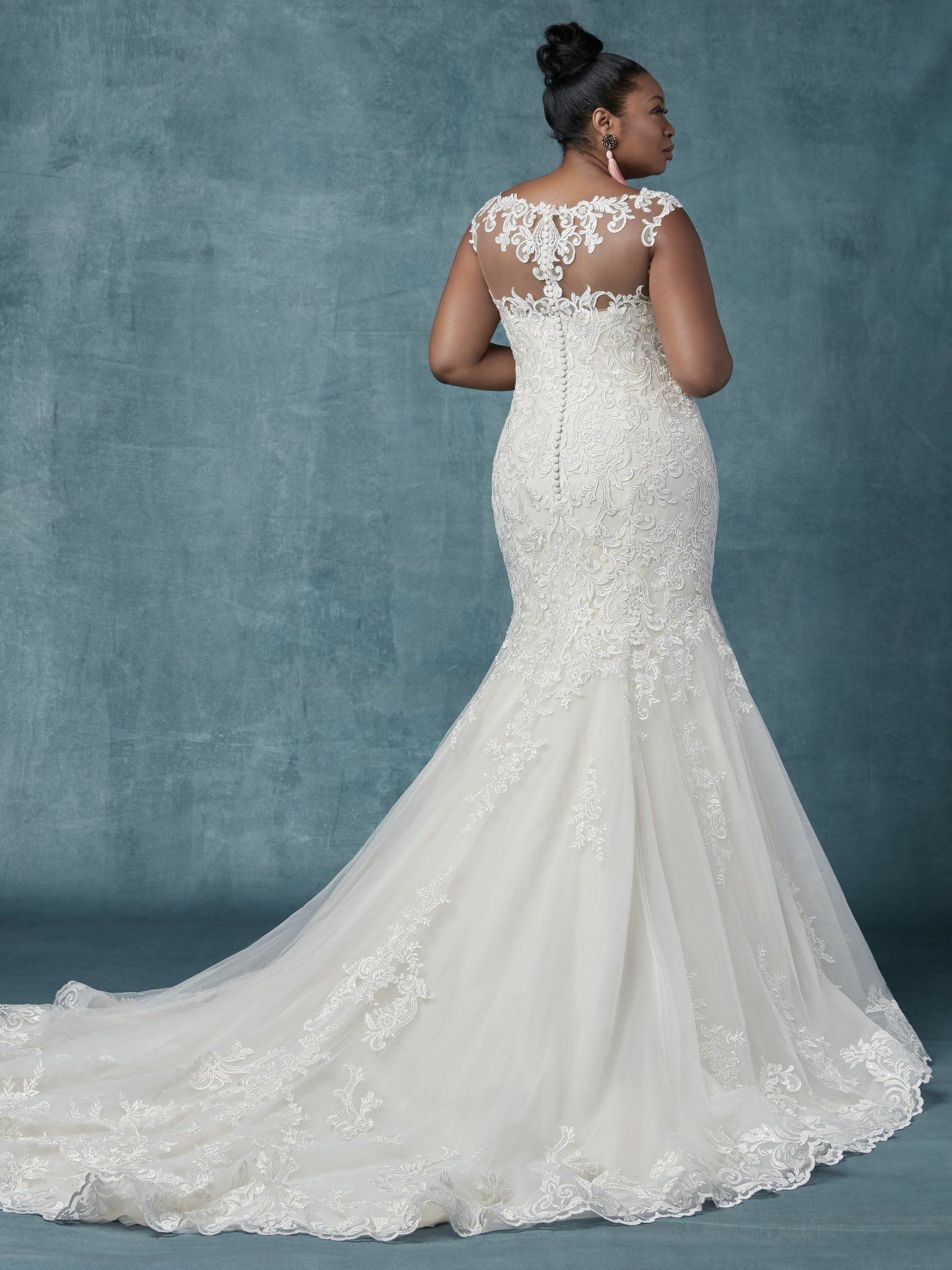 Plus size wedding dress sample size 20 inventory #2636 | dress.