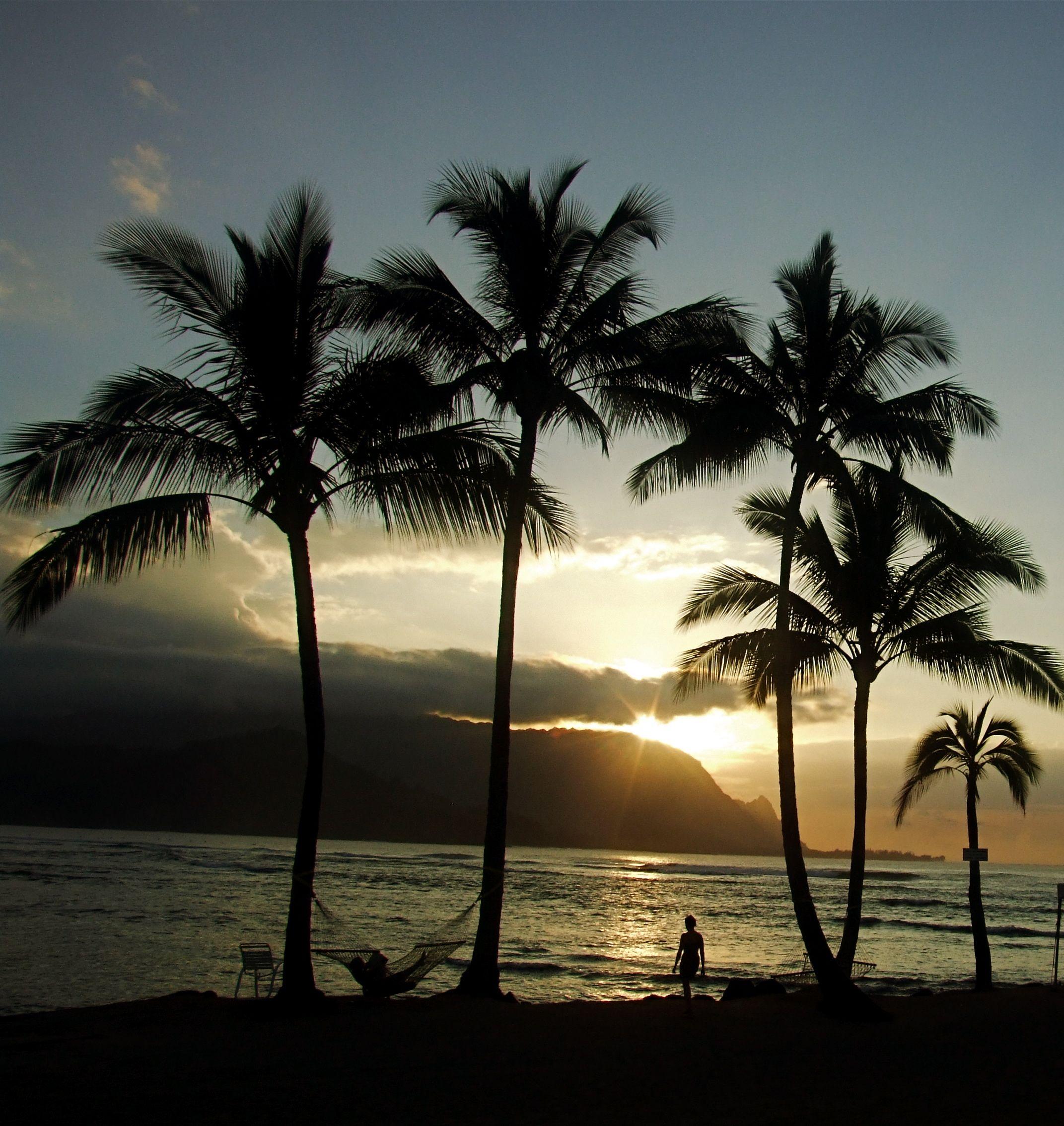 Mount Makana Called Bali Hai In The Movie South Pacific Provides A Romantic Backdrop At Sunset Kauai Vacation Kauai Vacation Rentals Hawaii Travel