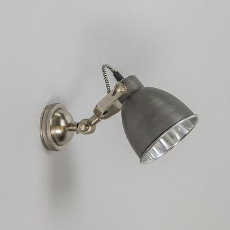 Wall lamp dazzle old grey