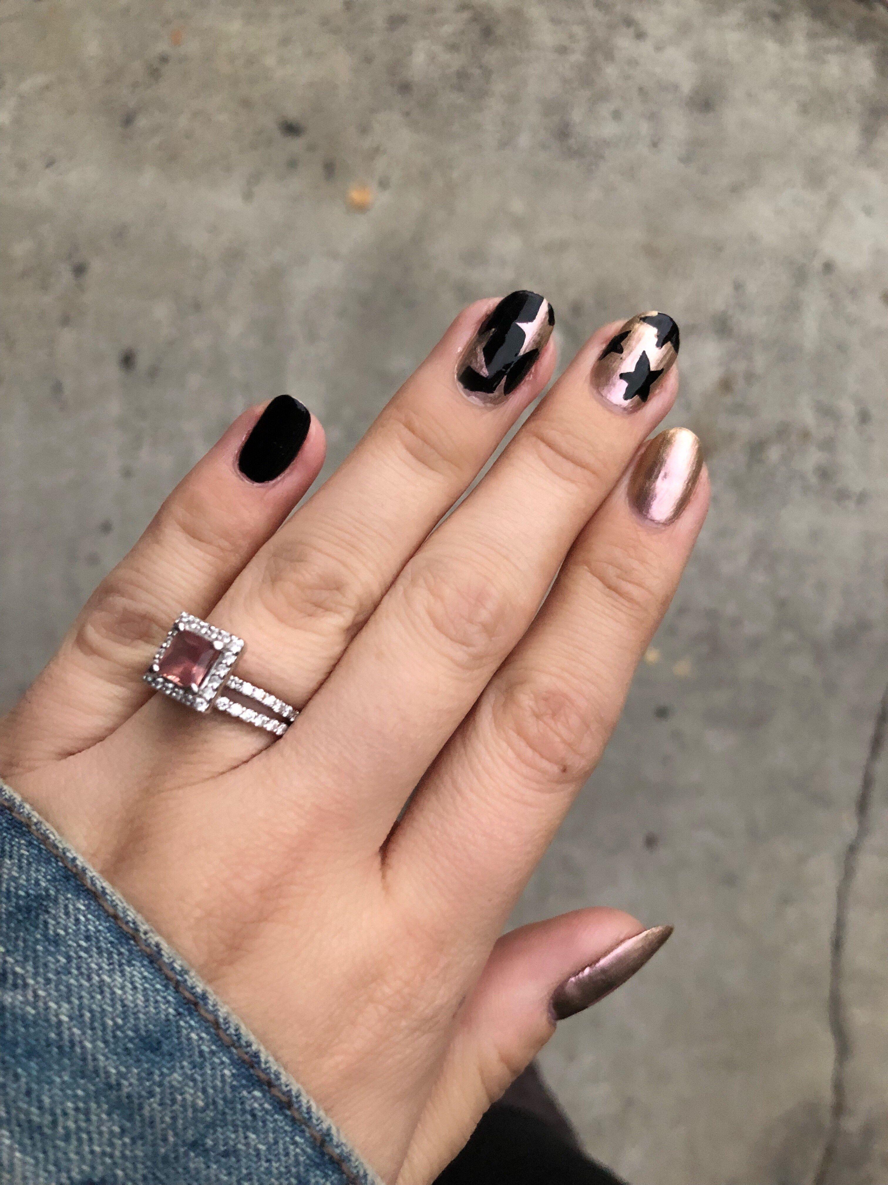 Contrasting star print nail art rose gold nail polish black contrasting star print nail art prinsesfo Choice Image