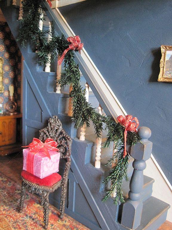 die besten 25 weihnachtsgirlande f r treppen ideen auf pinterest weihnachten treppendekor. Black Bedroom Furniture Sets. Home Design Ideas
