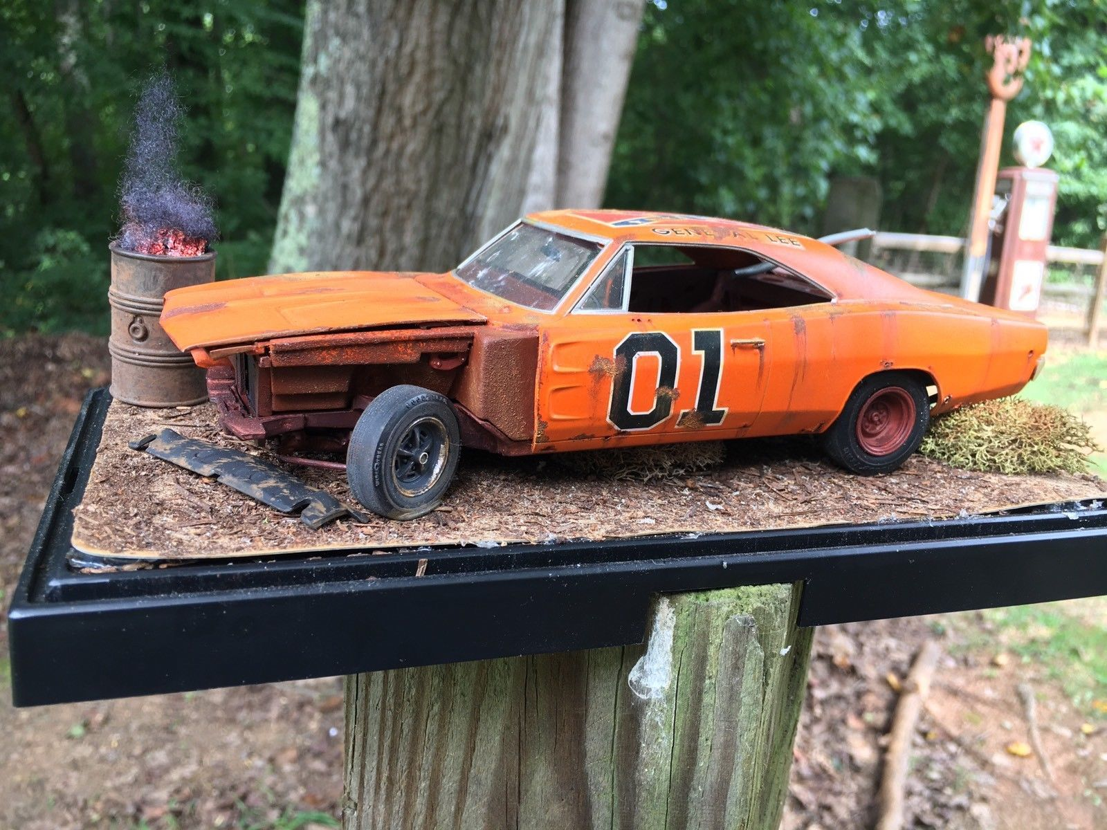Dukes Of Hazard General Lee Model Built Diorama 1:24 Scale