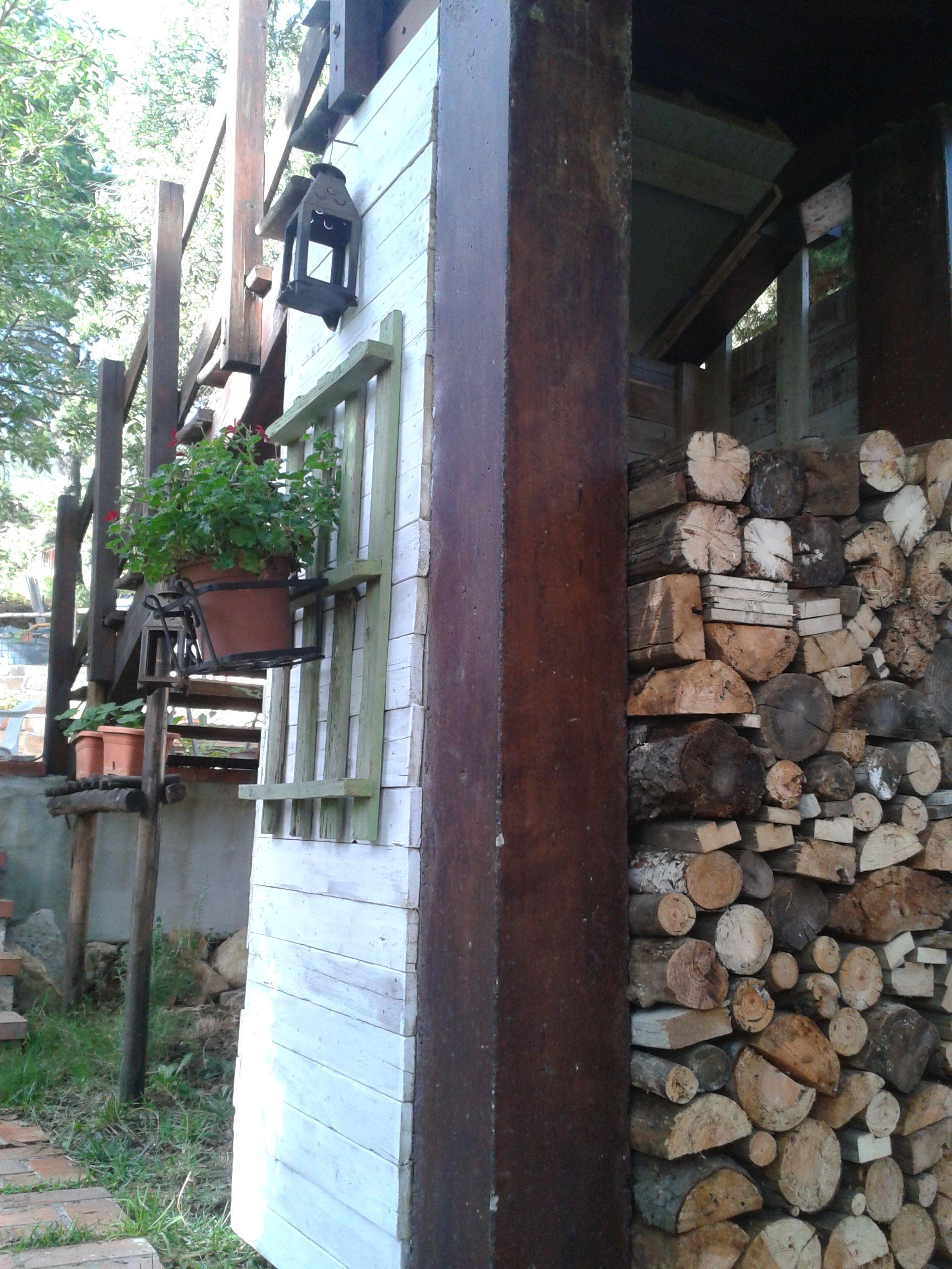 assi di legno ruvido per un tavolo assi di legno ruvido per ...