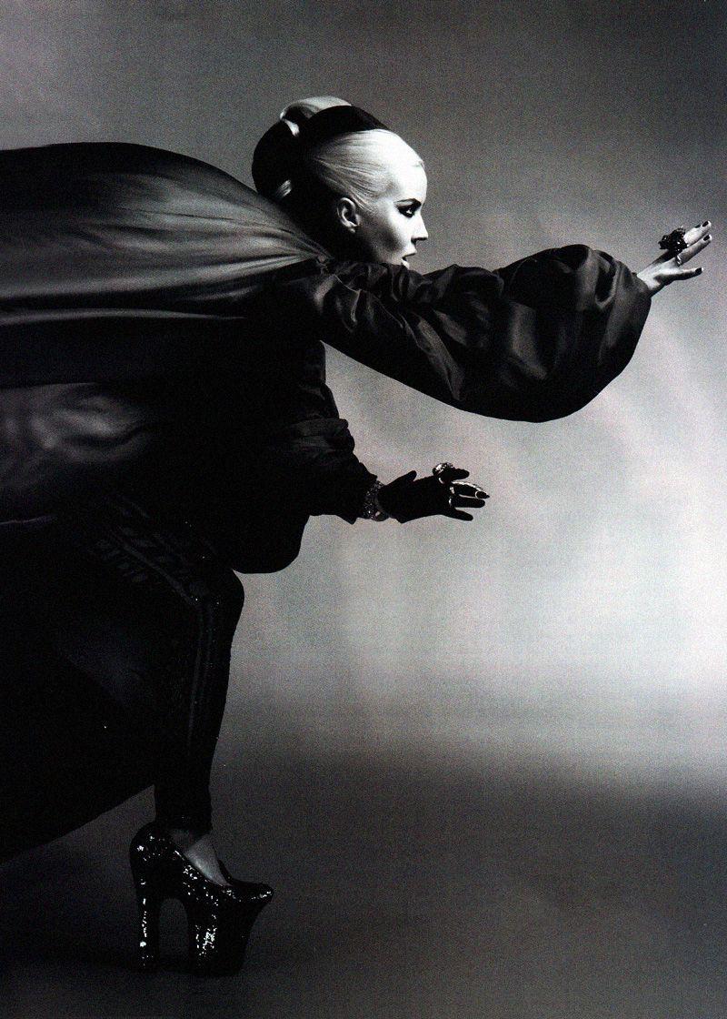 Daphne Guinness in Alexander McQueen. Photo: Sundsbo for Harper's Bazaar, May 2011.