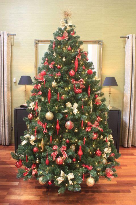 The Arbor Vitae Fir Tree 4ft To 20ft Realistic Artificial Christmas Trees Beautiful Christmas Trees Classic Christmas Tree
