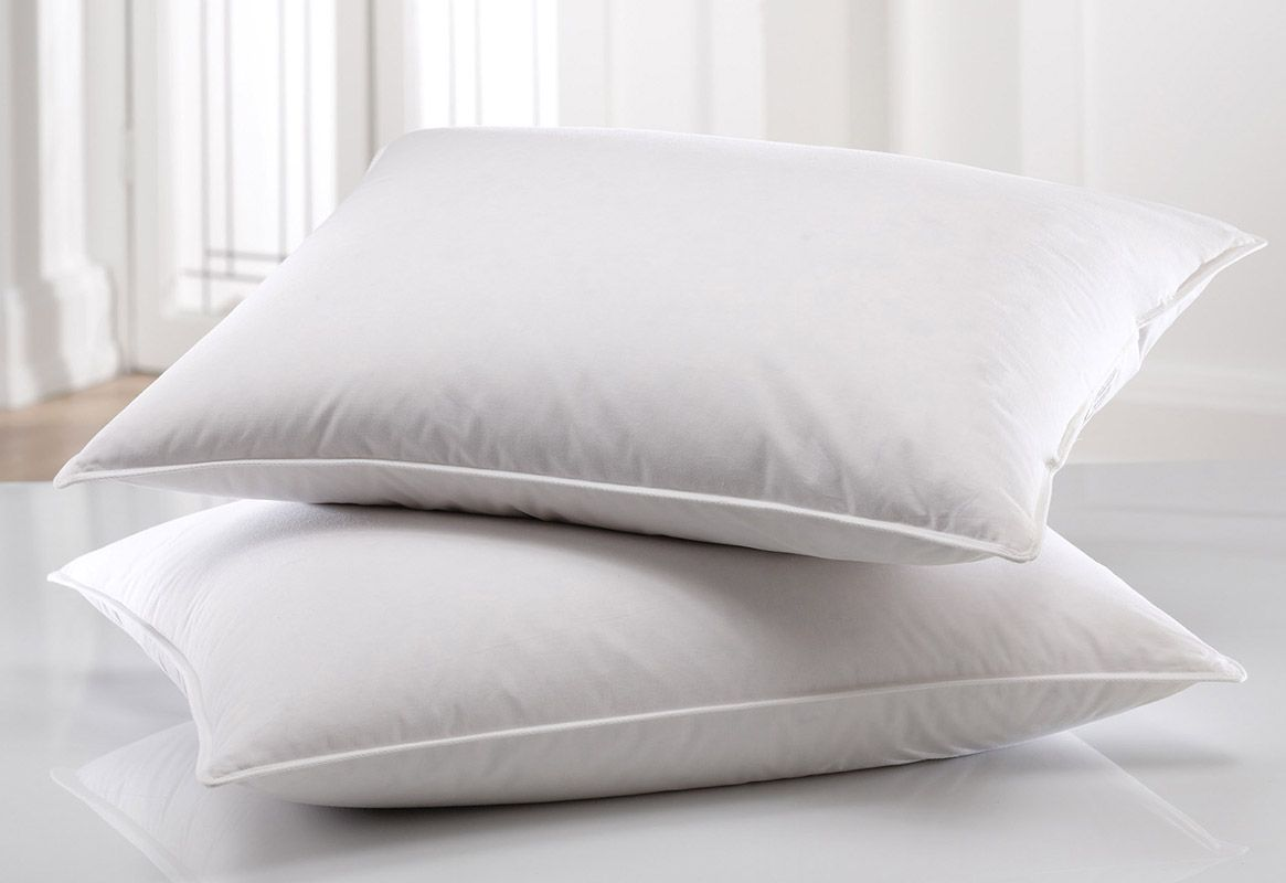 2 Nice pillows for guest bedroom XMAS 2016 WISHLIST Pinterest