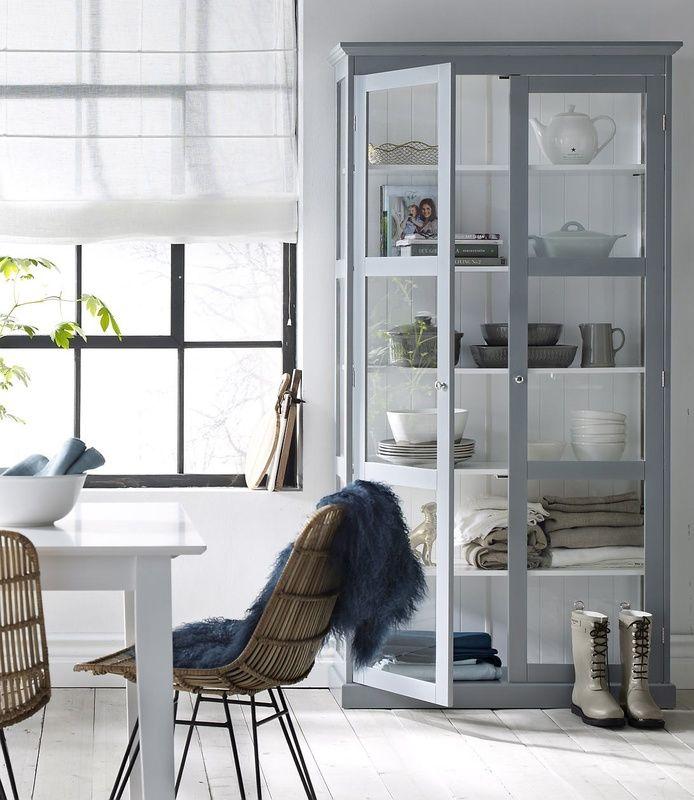 keittiö,keittiön pikkutavarat,kaappi,sisustus,kaapit