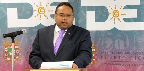 A dónde irá Rafael Román al dejar su cargo en Educación? El...