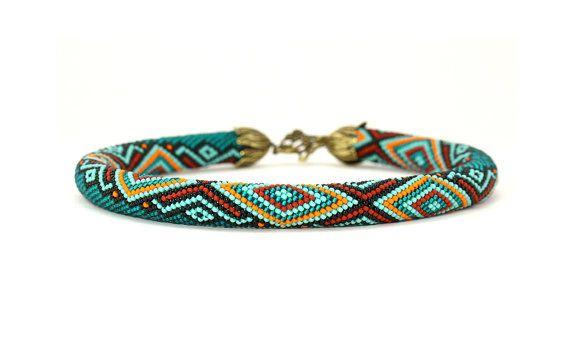 Halskette mit geometrischen Muster Türkis Orange rot schwarz ...