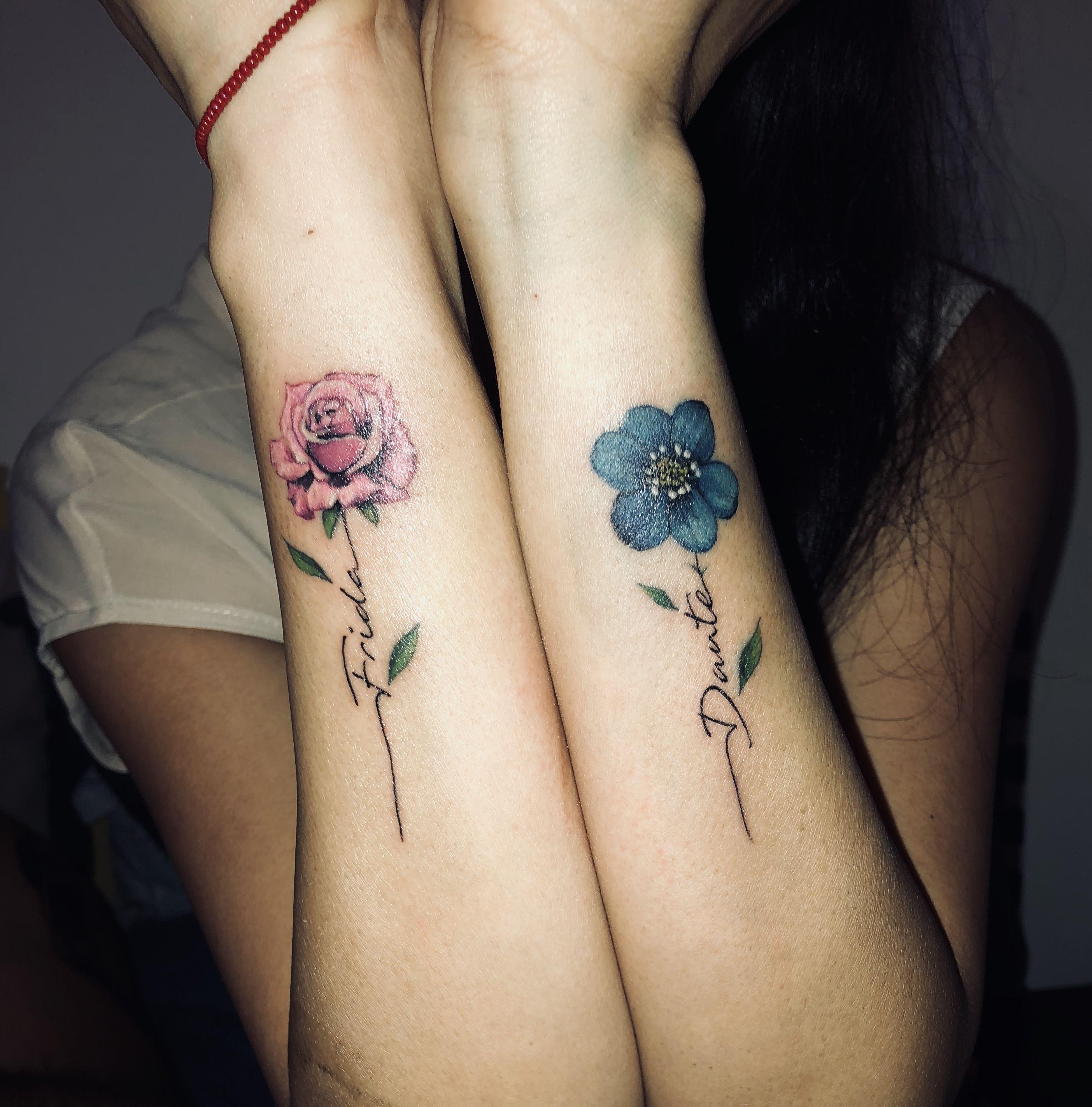 2 Hijos 2 Flores Con Su Nombre Tattooflower Cdmx Tatuajes