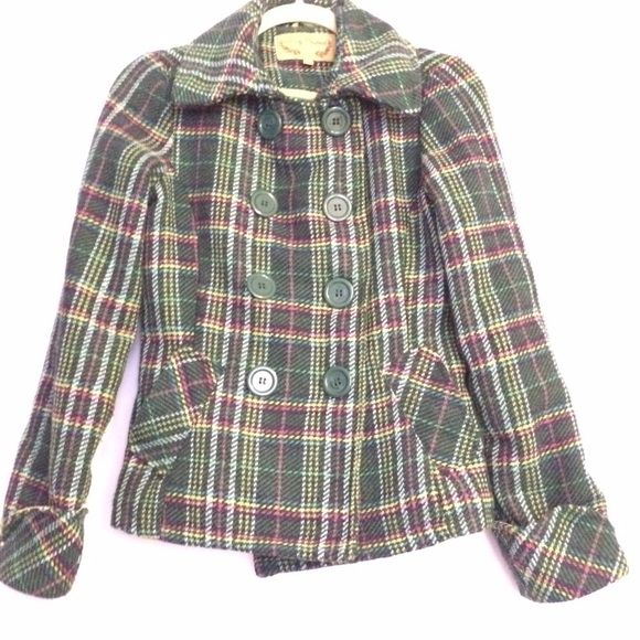 Green plaid coat Beautiful and fun green plaid double-breasted coat. Lightly worn but no signs of wear and tear. Price is negotiable. Body Central Jackets & Coats