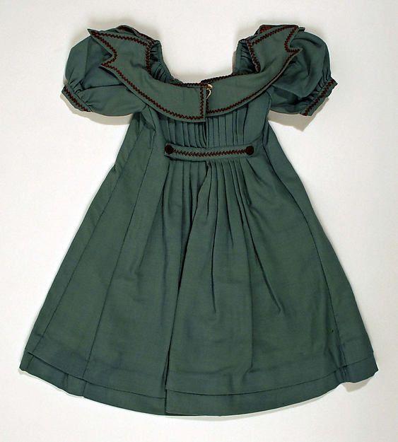 ca. 1840 child's dress back