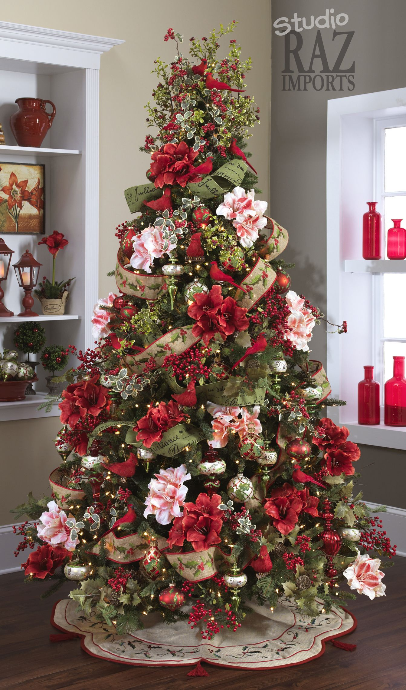 Christmas 101 Tree Themes Christmas Tree Christmas Decor And  - Christmas Tree Themes Pictures