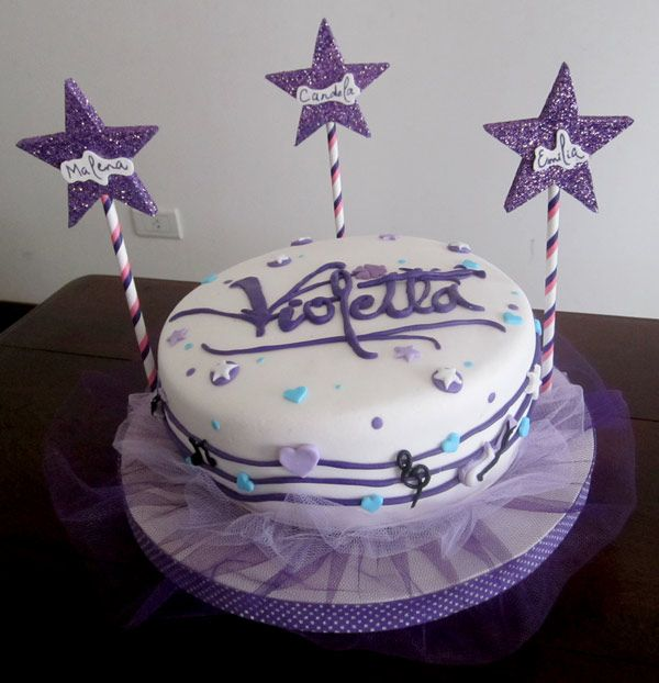 Torta modelo Violetta