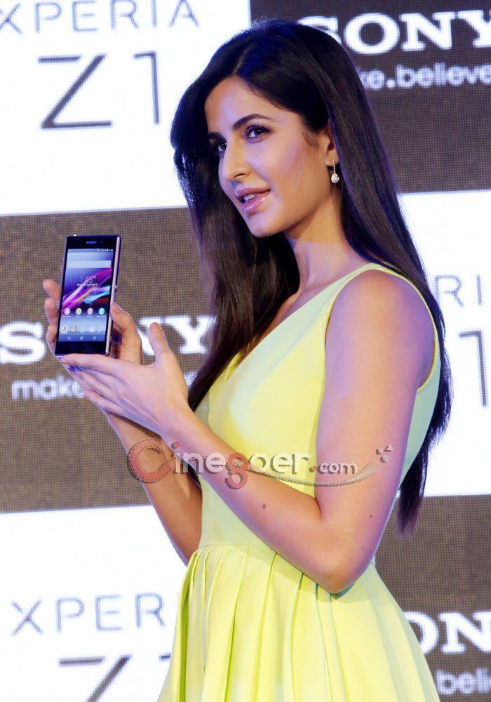 Katrina Kaif Launches Sony Xperia Z1 Veethi Katrina Kaif Katrina Katrina Kaif Photo