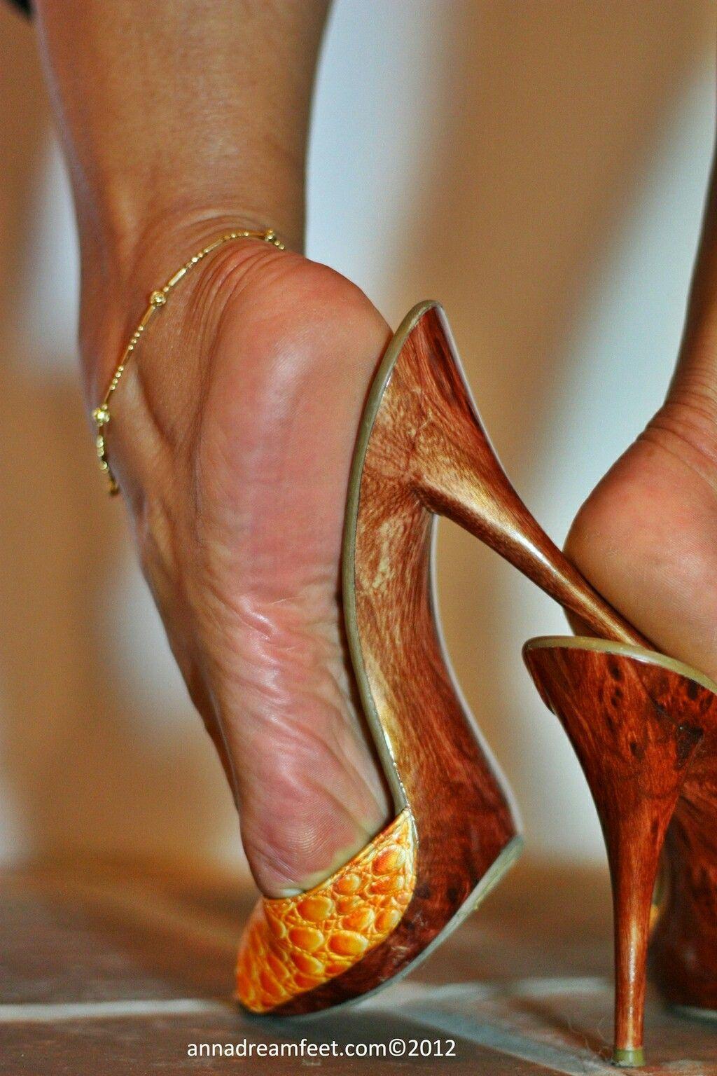 pinpablo aciar on mature feet (pies de maduras) | pinterest