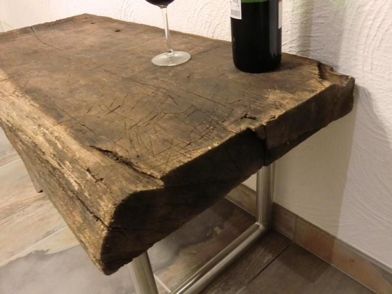 Couchtisch aus antiken Eichenholzbalken von PeKa-Ideen via dawanda.com