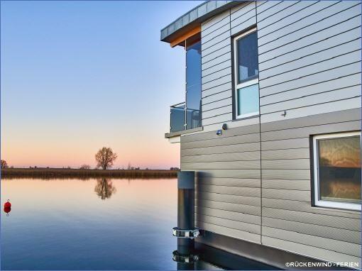 RÜCKENWIND FERIEN Vermietung schwimmende Ferienhäuser