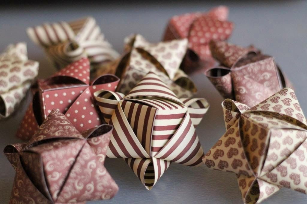 die besten 25 fr belstern ideen auf pinterest weihnachtsschmuck origami fr belsterne basteln. Black Bedroom Furniture Sets. Home Design Ideas