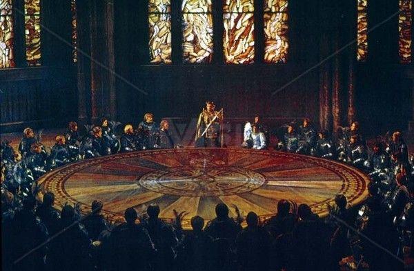 The round table of king arthur mythology pinterest - Le roi arthur et les chevaliers de la table ronde ...