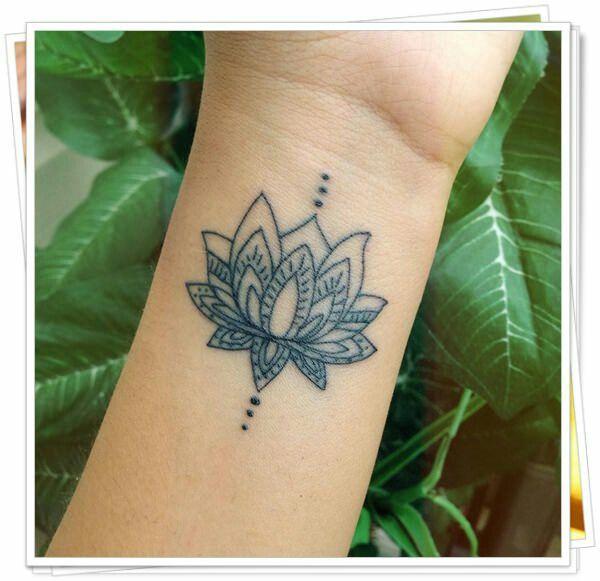 lotus tatoo tatoos inspiration pinterest tatouage. Black Bedroom Furniture Sets. Home Design Ideas