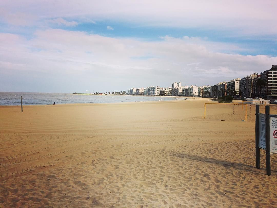 Hermoso día ayer #iphone5s #montevideo #uruguay #prefiroviajar #mochilando #viajeros #mochilando #world #travel #trip #vocenomundo #mochileros #wanderlust #adventure by jocyanirusso http://bit.ly/AdventureAustralia