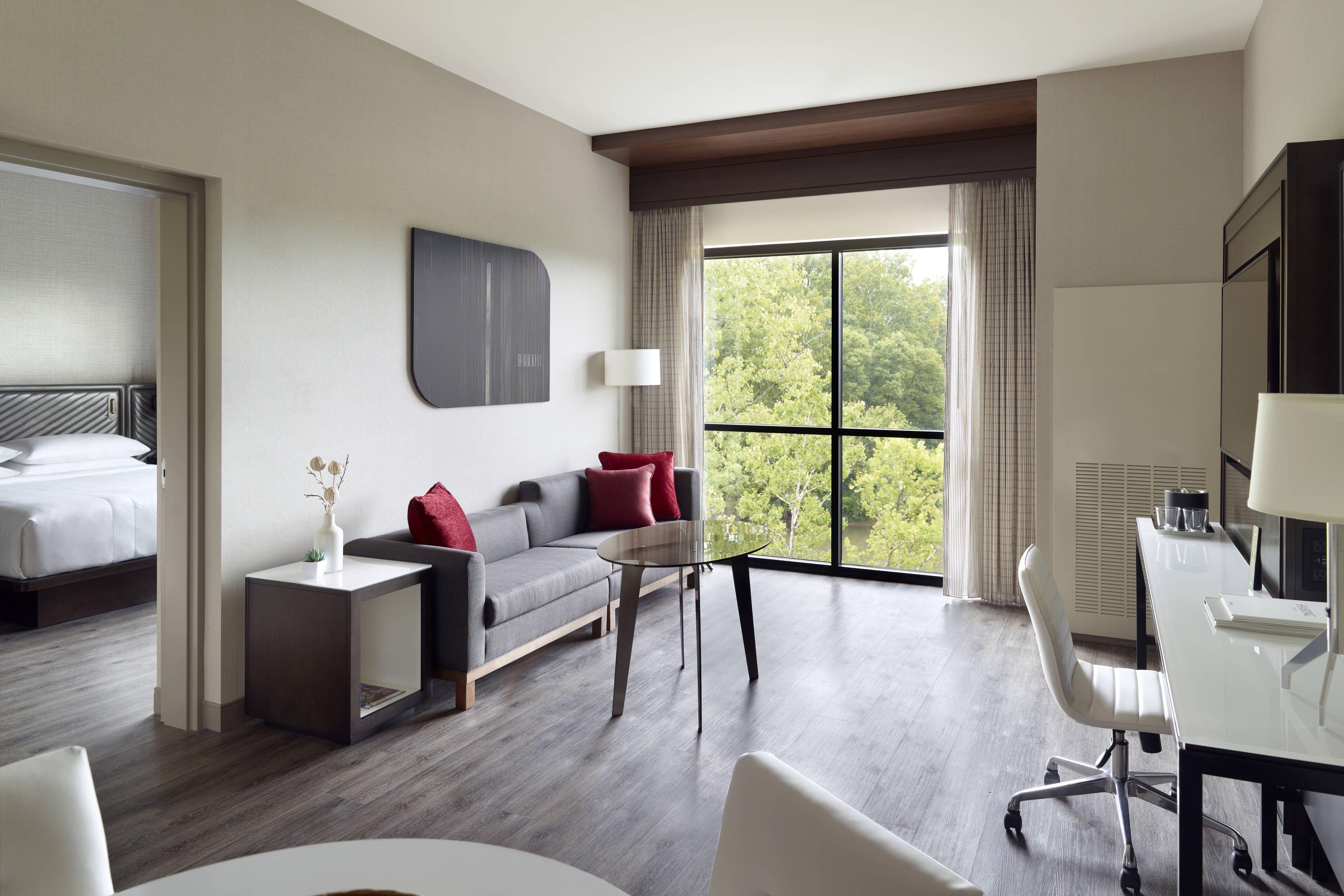 Marriott Columbus University Area Junior Suite Sitting Area Enjoy Beautiful Travel Columbus University Marriott Areas