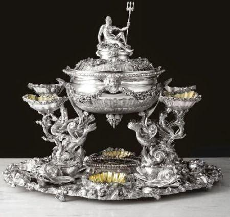 Splendid S Silver Love Centerpiece