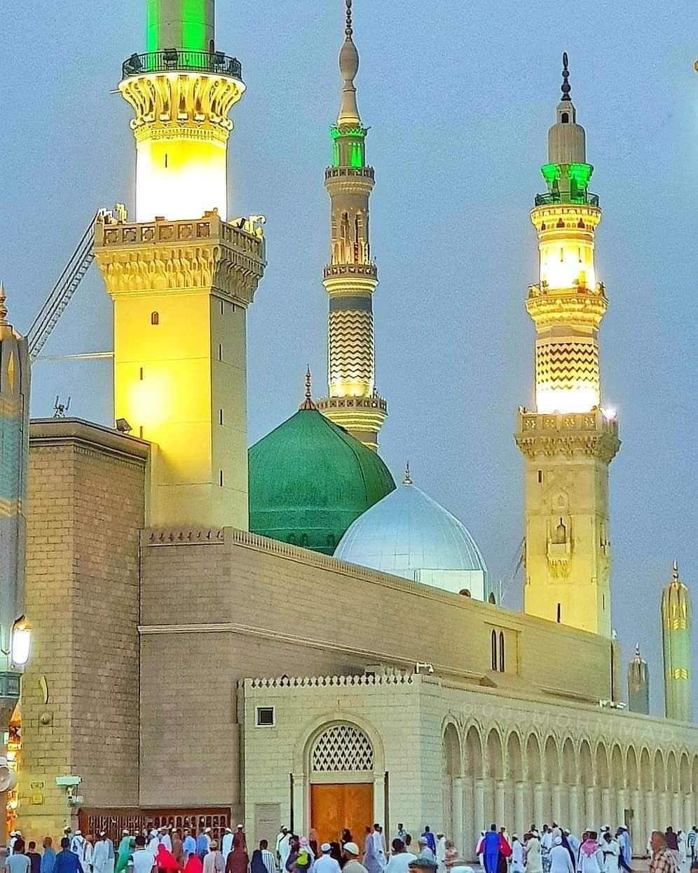 رزقنا الله و إياكم صلاة فجر قريبا فى المسجد النبوى Medina Mosque Al Masjid An Nabawi Madina