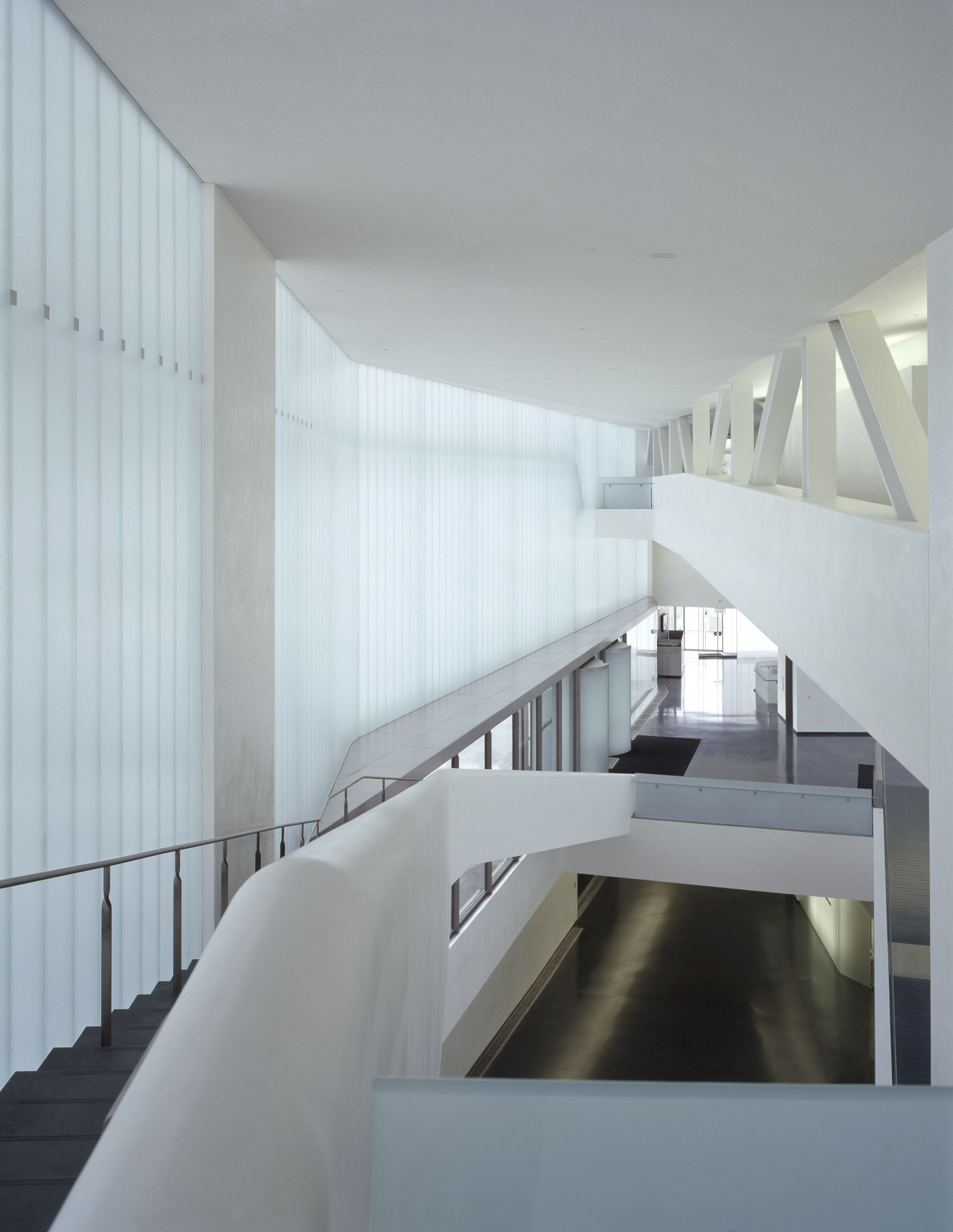 The White Interior Of The Nelson Atkins Museum In Cansas City Is Flooded  With Light Whichis