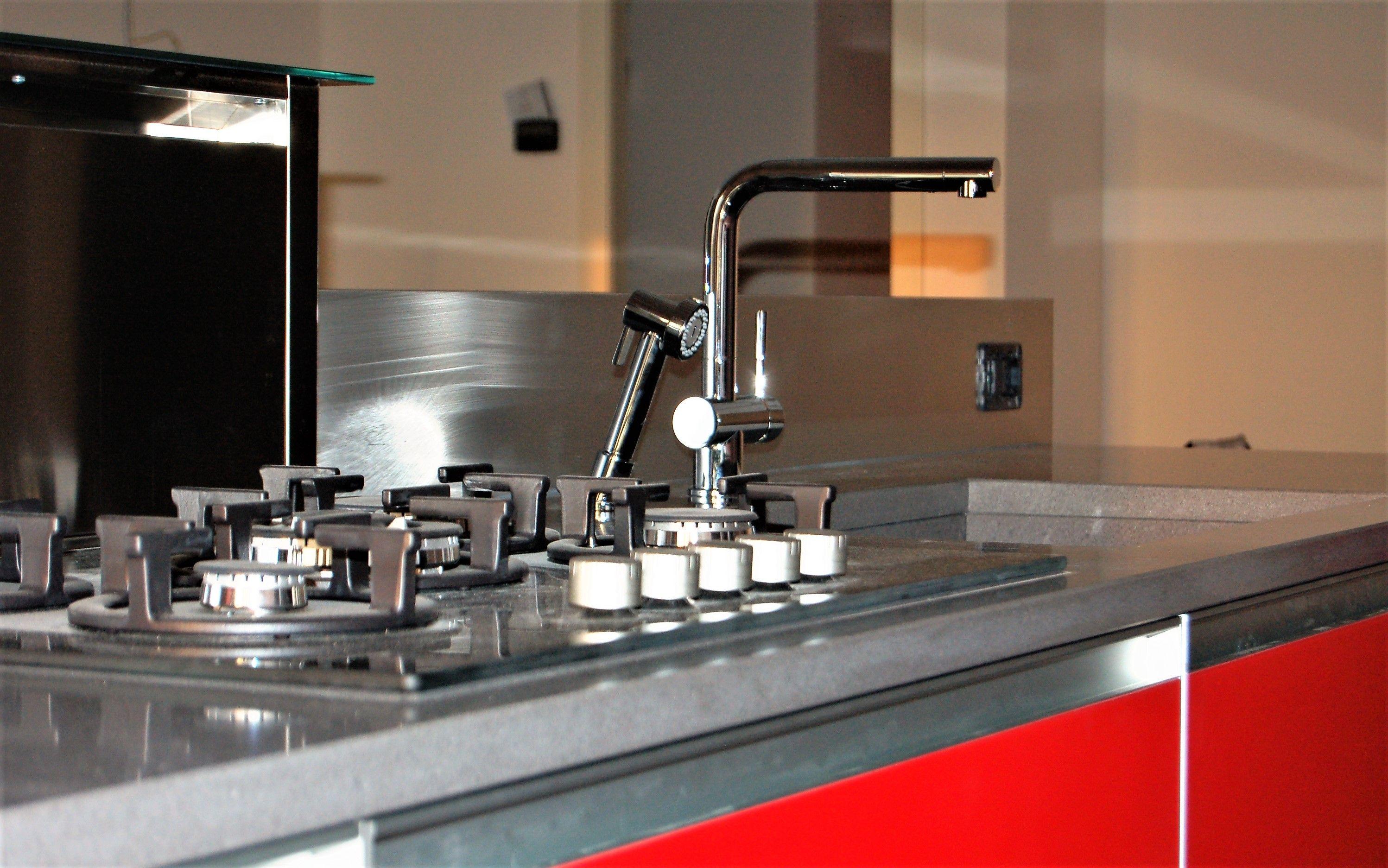 Schienale cucina acciaio for Progetto cucina online gratis