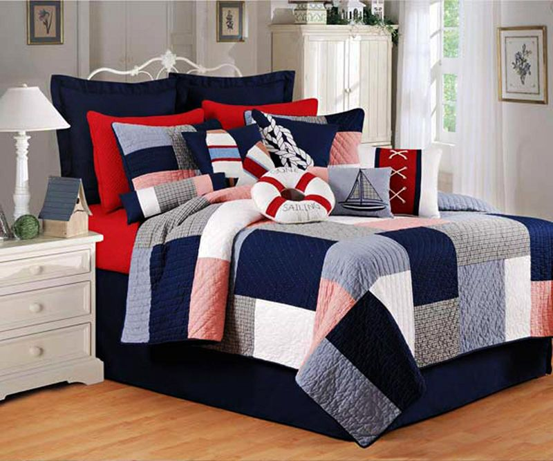 Newport Cottage Red White and Blue Patchwork Quilt | Henry's quilt ... : navy blue and white quilt - Adamdwight.com