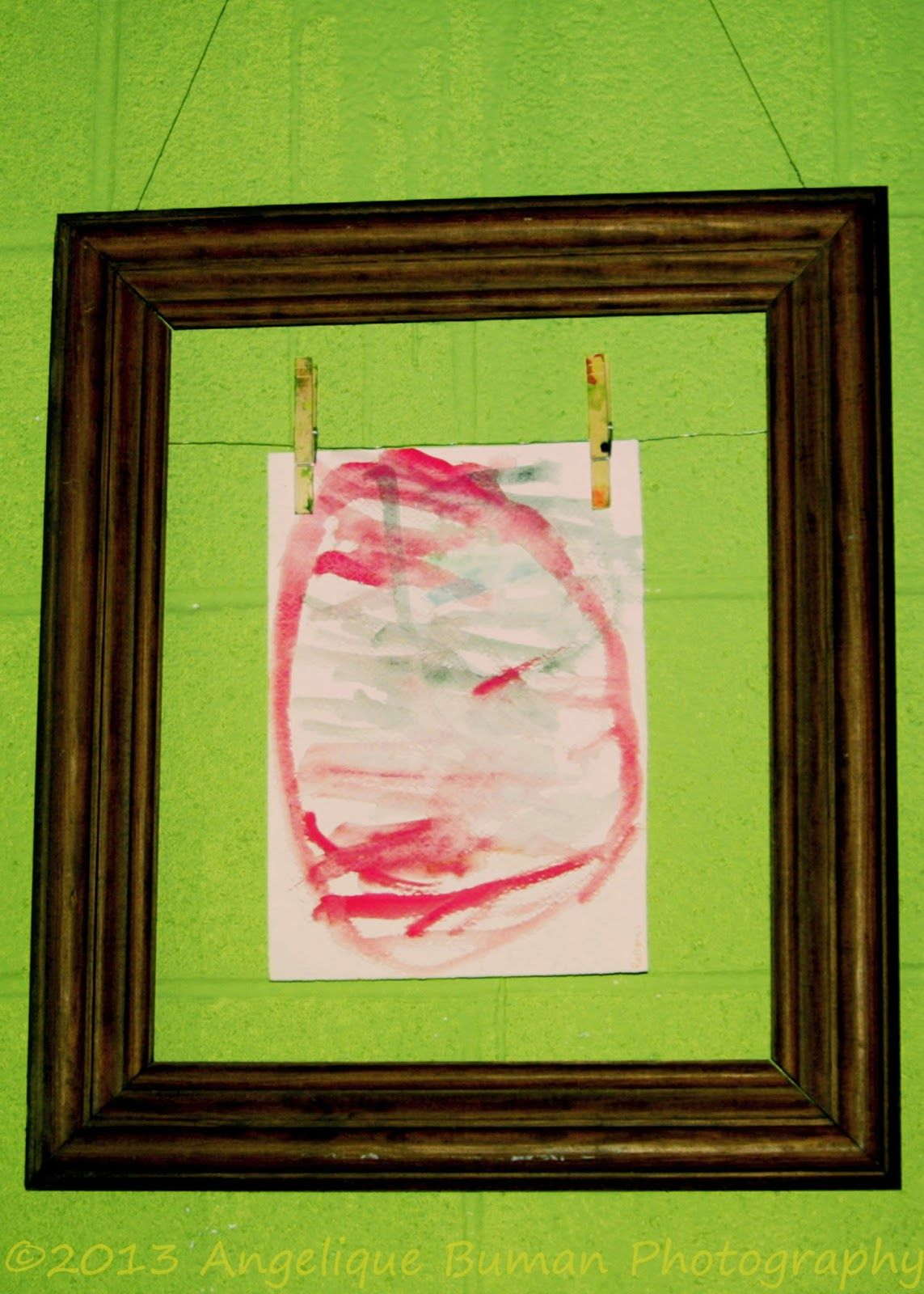 a simple tutorial on how to display kids art with old frames easy to - Easy Change Artwork Frames