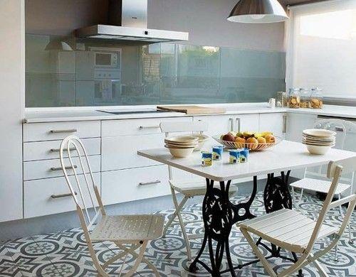 Good Glanzvoll Esstisch Wohnideen Für Küche Glasrückwand Photo