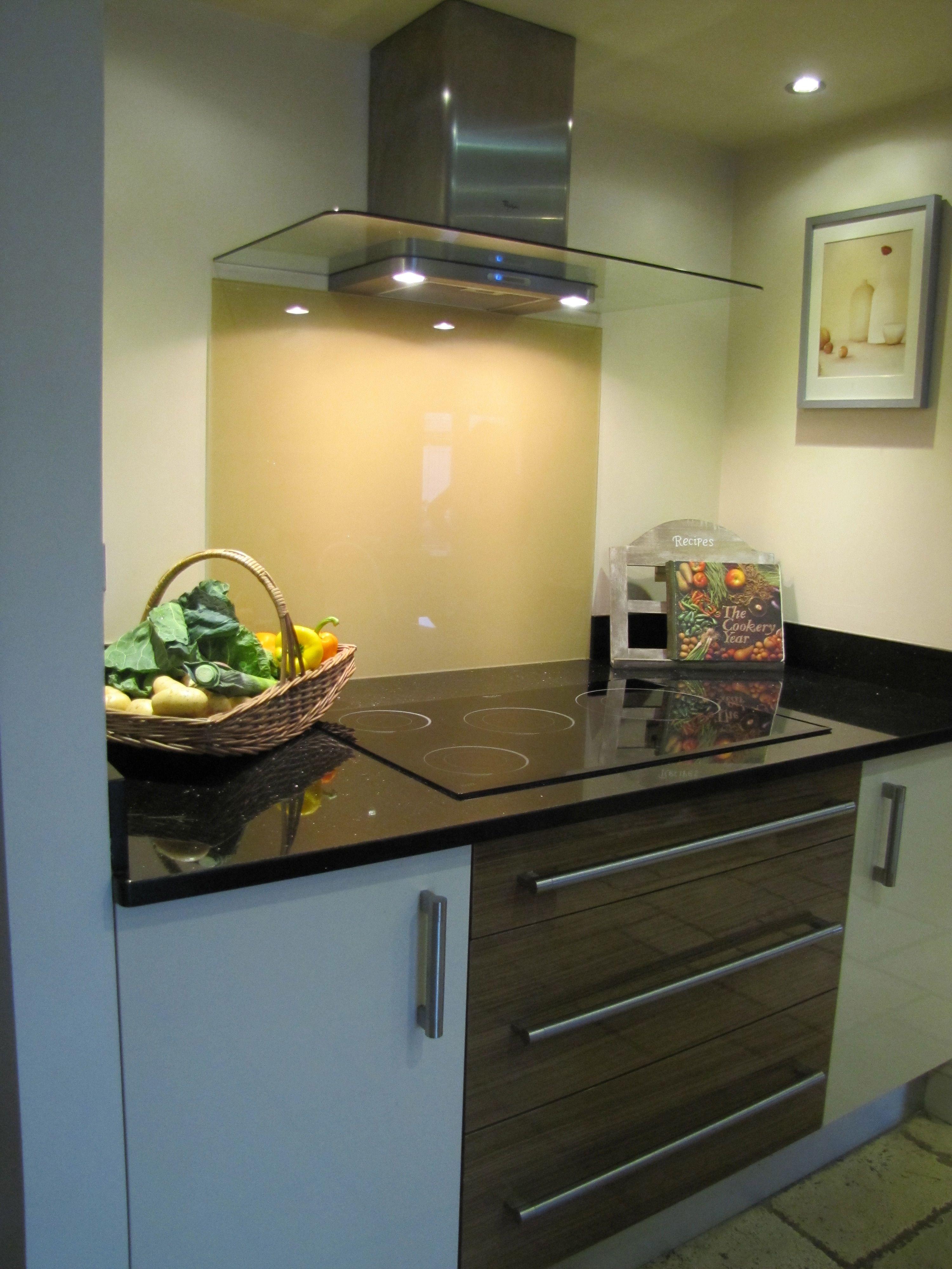 Crp Carpentry Whirlpool Induction Hob Fitted In Star Galaxy Granite Cream Glass Splashback Splashback Kitchen Home Decor