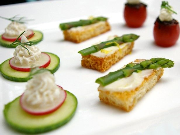 Kitschy canapes x 3 recipe canapes easy and finger for Simple canape ideas