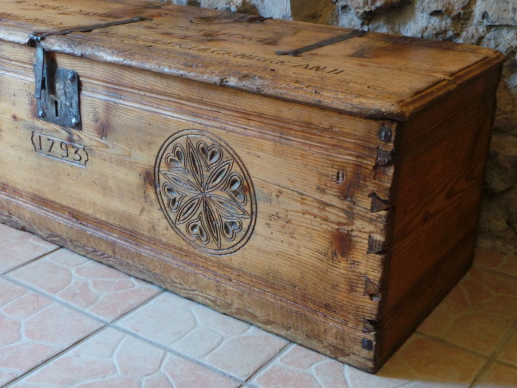 antiquaire savoie haute savoie au vieux parchet ugine au vieux parchet 219 rte du rosay st. Black Bedroom Furniture Sets. Home Design Ideas