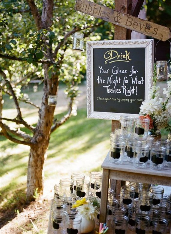 wedding drink station ideas chalkboard mason jar drinking glasses