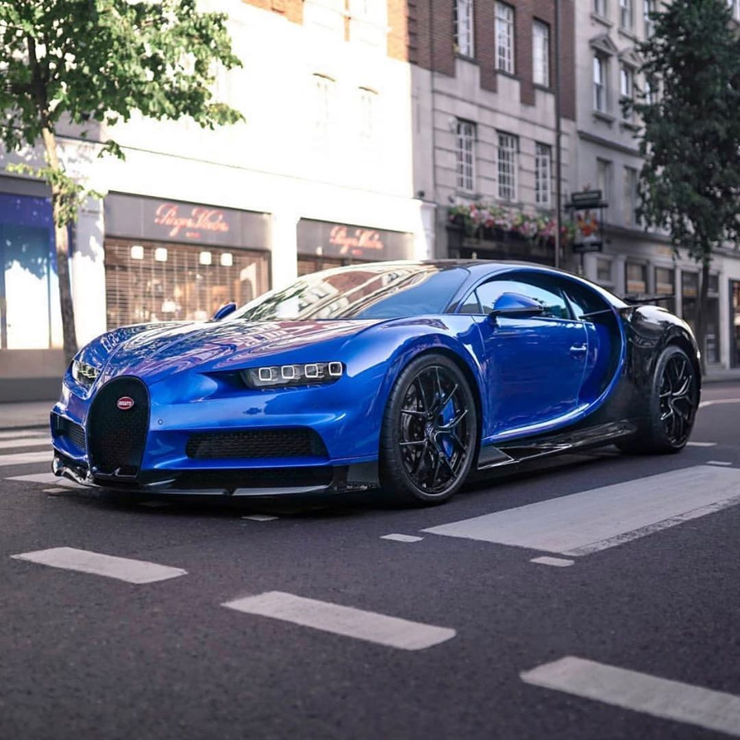 Cars Supercars Daily On Instagram Chiron Sport Bugatti Chiron Chironsport Bugattichiron Follow Vipw Super Cars Bugatti Chiron Black Amazing Cars